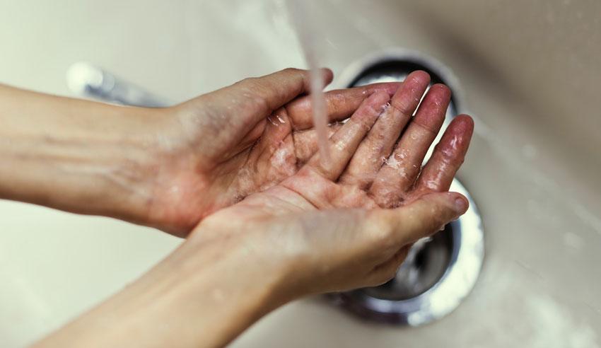 lavagem das mãos na clinica odontologia