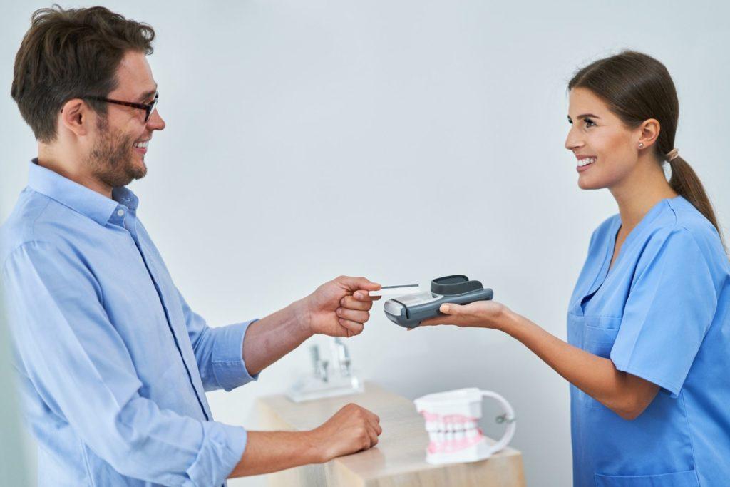como-emitir-nota-fiscal-de-serviços-odontológicos